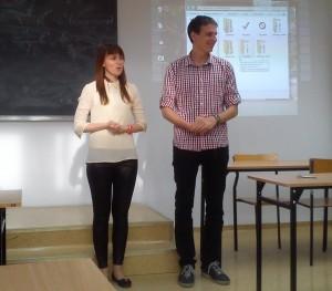Prowadzący wydarzenie Martyna Włodarczyk i Wiktor Kordowski
